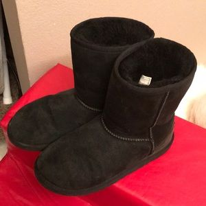 Classic Ugg Boots Black size 6 USA
